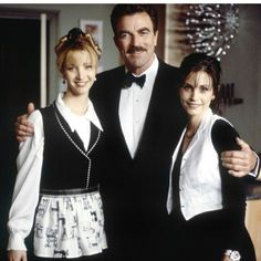1996 Tom Selleck, Courteney Cox, and Lisa Kudrow in Friends. Friends Cast, Friends Episodes, Friends Moments, Friends Series, I Love My Friends, Friends Tv Show, Friends Forever, Joey Friends, Gilmore Girls