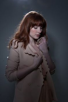 Bryce Dallas Howard please follow me,thank you i will refollow you later