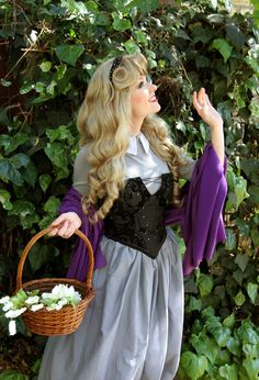 Sleeping Beauty...good picture inspiration for Halloween this year :)