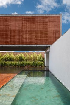 BT House by Studio Guilherme Torres, Maringá, Brazil | Yellowtrace. - I like the wood design
