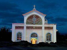 Notre Dame des laves - île de la Réunion Voyage Reunion, Reunion 974, Outre Mer, Ocean House, France, Kirchen, Plan Your Trip, Amazing Destinations, Traveling By Yourself