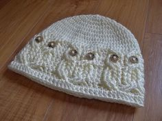 Ravelry: It's a Hoot! an Owl Hat pattern by Carlinda Lewis.