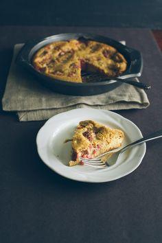 Red Fruit Custard Cake / Food Loves Writing