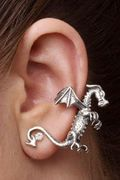Dragon Ear Cuff! I need this for my sick obsession with dragons!