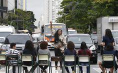 Protesto de estudantes que parou a avenida Rebouças, em São Paulo (Foto: Marlene Bergamo/Folhapress)