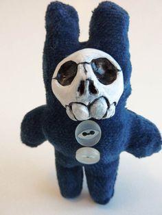 Little Skull Brooch by horseflesh on Etsy