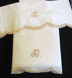 80a9d63ca2 Shop vintage linens Fort Myers at Linen Cottage for beautiful vintage and antique  linens