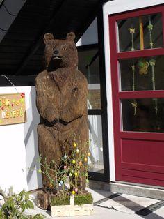 Hausbär vor der Tür