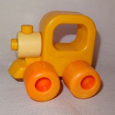 Vintage-Train-Engine-Baby-Rattle-Wee-Wheels-Playskool-1984-3-Month-2-Years-Toy