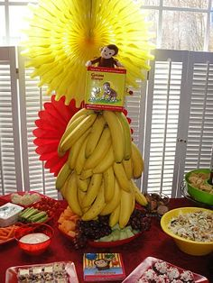 So cute for a Curious George or summer party. These adorable Curious George party decorations will have you going bananas! (via All About the Tables) Curious George Party, Curious George Birthday, Monkey Birthday Parties, Birthday Fun, Birthday Party Decorations, Birthday Ideas, Birthday Centerpieces, Craft Party, Diy Party