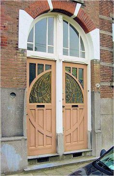 Beautiful door in the Netherlands. Can you imagine or do you know of such an entry door? It never ceases to amaze me how stunning the architecture is in Europe.  On a personal note, you can see the Super Stackers Door Finishing System at this site. A product designed to make the door finisher's work faster, easier and more precise.  http://doorfinishing.com/