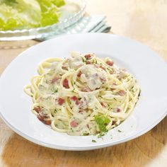 be: recette Weigh Watchers - Spaghetti alla carbonara Skinny Recipes, Ww Recipes, Light Recipes, Italian Recipes, Pasta Carbonara Recept, Spagetti Carbonara, Healthy Eating Recipes, Healthy Foods To Eat, Best Diet Foods