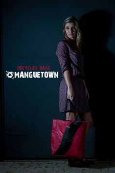 Manguetown is a reputable and dedicated recycled fashion brand that specializes in providing recycled bags and accessories. Recycled Plastic Bags, Fire Hose, Pet Bottle, Shopper Bag, New Pictures, Bag Making, New Look, Upcycle, Recycling