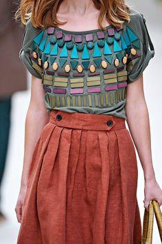 Skirt, please! Burberry at London Fashion Week [via the Shoe Girl] Fashion Week, Runway Fashion, Womens Fashion, Fashion Trends, London Fashion, Estilo Gossip Girl, Vogue, Fashion Details, Fashion Design