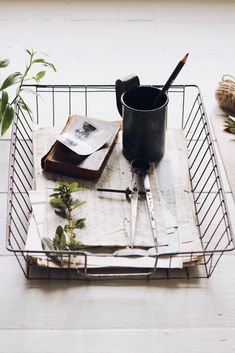 Image of Vintage Wire Paper Tray