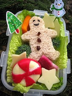 Christmas lunch for kids to take to school - cute!!