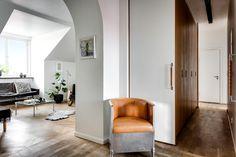 RETOUR A L'ESSENTIEL_________________Minimalisme et Intemporalité en 33 Photos - Inaîlé Set Designer Oversized Mirror, Divider, How To Plan, Room, Design, House, Blogg, Furniture, Mat