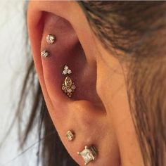 Nate ( @urbanlumberjack ) did a couple of conch piercings with a white gold tri-prong gem and a yellow gold Sarai (we love this design!). Both pieces are from BVLA #conchpiercing #goldbodyjewelry #appmember #safepiercing #saintsabrinas #minneapolis #twincities