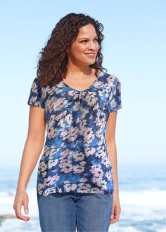 Blusa manga curta azul-escuro encomendar agora na loja on-line bonprix.de  R$ 34,90 a partir de Com leve franzido no decote V e fendas laterais. Comprimento ...