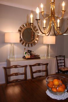 Glam traditional New England dining room. E-decorating done by Van Rozeboom Interiors