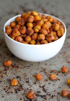 . crunchy honey almond roasted chickpeas .