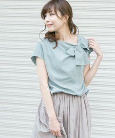 URBAN RESEARCH ROSSO(アーバンリサーチ ロッソ)の「ROSSO ネックリボンリネンブラウス(シャツ・ブラウス)」です。このアイテム着用のコーディネートをチェックすることもできます。 Kids Fashion, Womens Fashion, Fashion Trends, Minimalist Wardrobe, Casual Tops, Clothing Patterns, Blouses For Women, Ideias Fashion, Ruffle Blouse