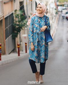 Desenleri ile enerjini yükseltecek tuniğin ışıltısı gün boyu seni takip etsin!   Liven up your day with bold, bright and colourful tunic designs!  Tunik - Tunic: 298419 - 109.90 TL   #hijab #hijabfashion#muslimwear#fashion #style #clothing#outfitofday#ootd #combination#picofday#instamoda #ilkbahar #spring
