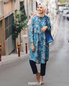 Desenleri ile enerjini yükseltecek tuniğin ışıltısı gün boyu seni takip etsin!   Liven up your day with bold, bright and colourful tunic designs!  Tunik - Tunic: 298419 - 109.90 TL   #hijab #hijabfashion#muslimwear#fashion #style #clothing#outfitofday#ootd #combination#picofday#instamoda #ilkbahar #spring