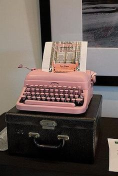 pink typewriter with black carry case Pink Love, Pretty In Pink, Hot Pink, Vintage Love, Retro Vintage, Vintage Items, Antique Typewriter, I Believe In Pink, Shabby