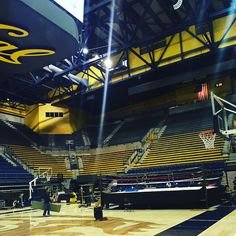 Before the show #100yearshow #calberkeley #bruins #uclaboxing #bruinchampions #collegeboxing #ncba #ucla #thunderdome by uclaboxing