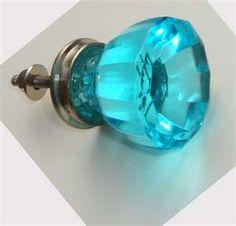 I love glass knobs!