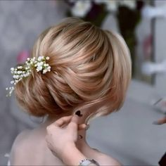 Do you wanna see more fab hairstyle ideas and tips for your wedding? Then, just visit our web site babe! Bun Hairstyles, Wedding Hairstyles, Hairstyle Ideas, Pretty Hairstyles, Peinado Updo, Hair Upstyles, Very Short Hair, Wedding Hair Inspiration, Hair Videos