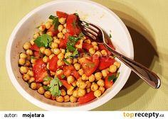 Rychlý cizrnový salát s rajčaty