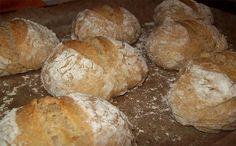 Portuguese Quick Bread Recipe - Portuguese Recipes - Food Recipes from Portugal Portuguese Sweet Bread, Portuguese Recipes, Portuguese Food, Quick Bread Recipes, Cake Recipes, Polenta, Cooking Time, Cooking Recipes, Vegan Recipes