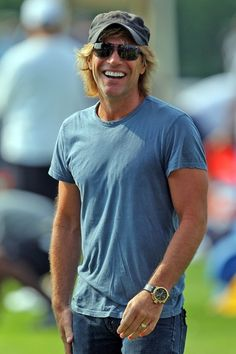 Jon+Bon+Jovi+Celebrity | Jon Bon Jovi visits NFL training camp | Celebrities, actors, musicians ...