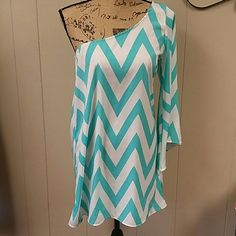 Giddy Up Glamour dress Mint /turquoise chevron dress. One shoulder & in good condition! Giddy Up Glamour Dresses