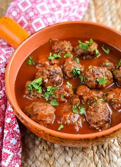 Meatballs in Tomato-Maple Sauce. Yummy Meatballs in a Tangy Sweet Tomato-Maple Sauce Sin Gluten, Healthy Eating Recipes, Cooking Recipes, Healthy Food, Healthy Dinners, Paleo Recipes, Free Recipes, Slimming World Beef Recipes, Maple Syrup Recipes