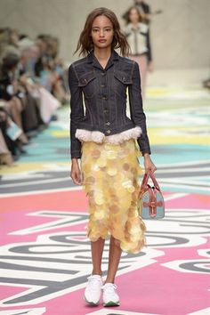 Burberry - Spring / Summer 2015
