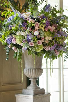 Summer Wedding urn