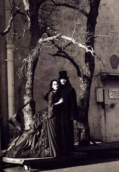 On the set of Coppola's Dracula. Costumes by Eiko Ishioka