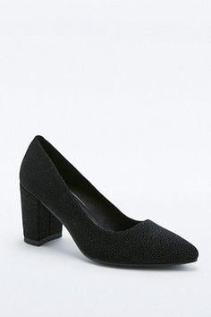 Vagabond Saida Black Suede Court Shoes