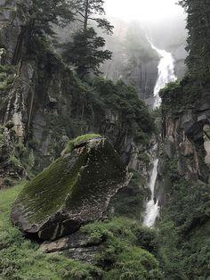 Manali Waterfall, Himachal Pradesh | Nick Owen | Flickr