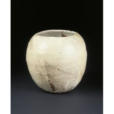 Jar, Japan, 1983, Yoshihiko Yoshida, Stoneware with white slip and clear glaze, Victoria & Albert Museum