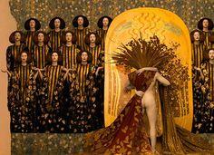 """O fotógrafo Inge Prader utilizou modelos reais para recriar as famosas pinturas do artista Gustav Klimt. São reproduções de trabalhos bem conhecidos da """"Fase de Ouro""""."""
