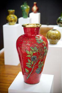 Lucinda Mudge Knysna, Vases, Ceramic Artists, Close Image, Ceramics, Pottery Ideas, Arrow Keys, Home Decor, Porcelain
