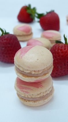 Macarons daiquiri fraise // Strawberry daiquiri macaroons on latassefumante.com