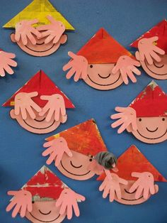 Peek-a-boo faces ✭ fun kids DIY Projects For Kids, Diy For Kids, Crafts For Kids, Arts And Crafts, Diy Crafts, Paper Plate Crafts, Preschool Crafts, Preschool Christmas, Creative Kids