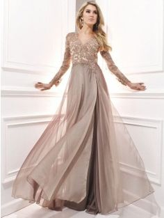 A-Line/Princess Long Sleeves V-neck Chiffon Applique Sweep/Brush Train Dresses
