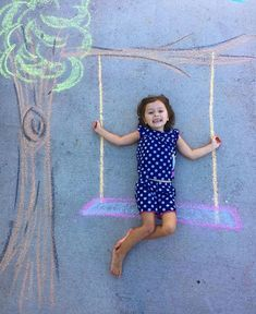 Chalk Drawings Sidewalk Discover Our Chalk World sidewalk art chalk art Lucys Chalk World kids crafts creative kids sidewalk chalk Art Ideas For Teens, Art For Kids, Crafts For Kids, Trucage Photo, Chalk Photography, Chalk Photos, Sidewalk Chalk Art, Sidewalk Chalk Pictures, Drawing For Kids