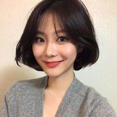 Haircuts Straight Hair, Short Bob Hairstyles, Hairstyles Haircuts, Pretty Hairstyles, Asian Short Hair, Girl Short Hair, Short Hair Cuts, Korean Short Haircut, Shot Hair Styles